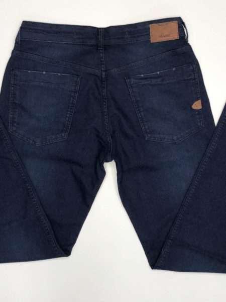 viaandrea calca jeans aramis londres com bigode 2