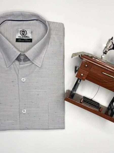 viaandrea camisa via andrea manga curta com bolso azul claro 6