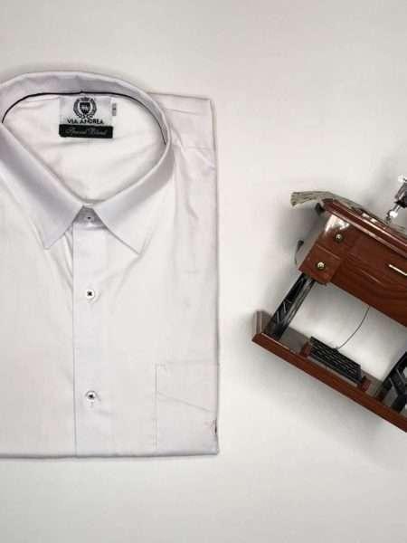 viaandrea camisa via andrea manga curta com bolso corte tradicional 1