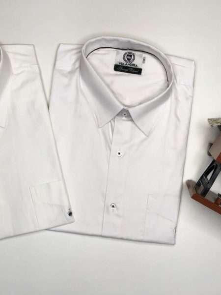 viaandrea camisa via andrea manga curta com bolso corte tradicional 2