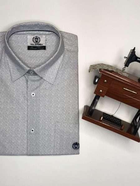 viaandrea camisa via andrea manga curta com bolso corte tradicional 5