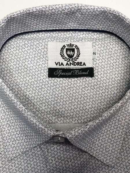 viaandrea camisa via andrea manga curta com bolso corte tradicional 6