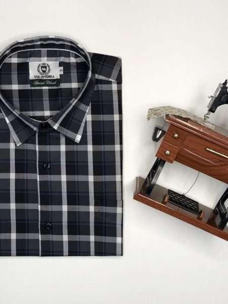 viaandrea camisa via andrea manga curta com bolso xadrez largo