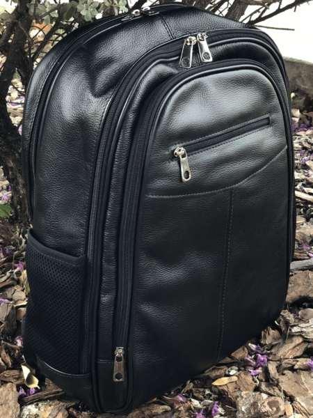 viaandrea mochila em couro com porta notebook 1