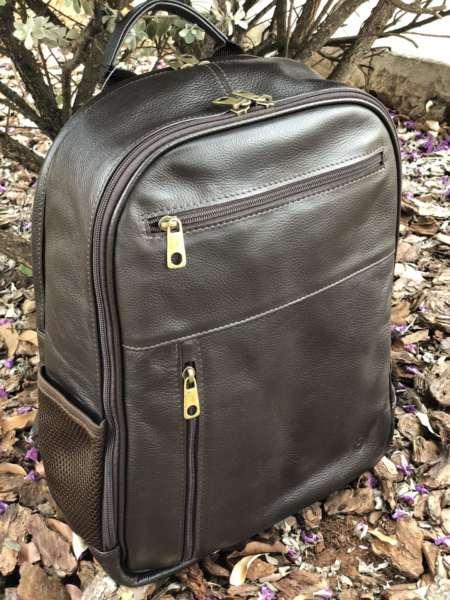 viaandrea mochila em couro com porta notebook 7